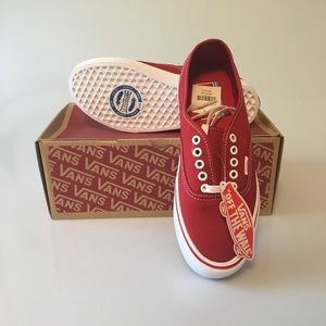 Authentic vans off-the-wall Red women's 9 mens 7.5